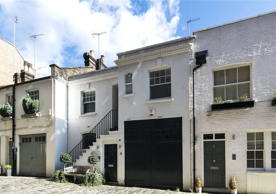 Dunstable Mews, London, W1